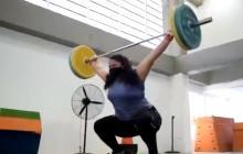 En video | Alcaldía abre gimnasio a la pesista que entrenaba en la calle