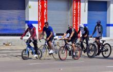 Varios ciclistas hacen uso de las ciclorrutas que recientemente habitó el Distrito de Barranquilla.