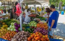 El parque Venezuela aloja la esencia del mercado público
