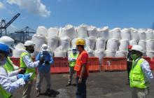 Supervisan almacenamiento del nitrato de amonio en el puerto