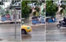En video | Motocarro invade rampa de estación de Transmetro
