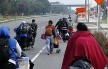 Unos 200 venezolanos retornan en confusa jornada en la frontera con Colombia