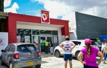 Vestidos de vigilantes atracan supermercado en el norte de Barranquilla