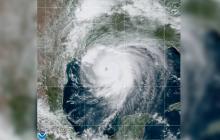 """Miles evacuan en EE.UU. ante el """"catastrófico"""" impacto del huracán Laura"""