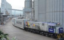 Tren arribó al puerto samario con 220 toneladas de papel