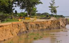 En video | Emergencia por erosión del Río en la vía Salamina–El Piñón