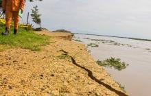 ¿Por qué se aceleró la erosión causada por el Río en Salamina?