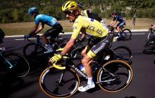 Julian Alaphilippe perdió el liderato del Tour tras la penalización.