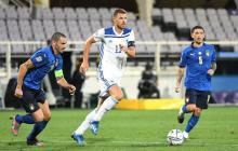 Edin Dzeko marcó el gol para los bosnios en el empate 1-1 ante Italia.