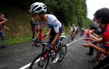 Egan Bernal durante la exigente novena etapa del Tour de Francia.