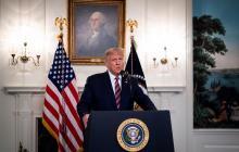 """Trump admite que minimizó gravedad de Covid para """"contener el pánico"""""""
