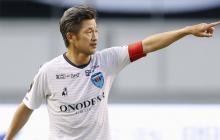 El delantero nipón Kazuyoshi Miura, de 53 años y medio de edad.