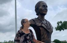 Hija de Micaela Lavalle, fundadora de Junior, visitó la Ventana de Campeones