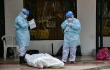 Posible paciente Covid-19 muere en una acera