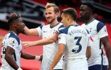 Los jugadores del Tottenham celebran uno de los goles ante Manchester United.