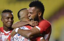 Miguel Borja celebra uno de sus goles con el Junior.