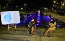La gobernadora Elsa Noguera y la secretaria Nury Logreira explican el proyecto.