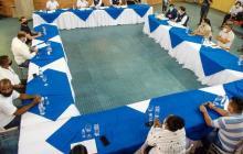 Aspecto de la reunión entre el Defensor del Pueblo y los líderes sociales.