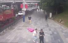 En video   Mujer golpea en la calle a hombre que tocó sus partes íntimas