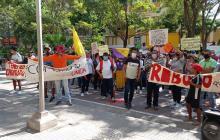 Protestan en la Alcaldía por obras del Arroyo Hospital