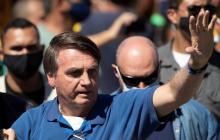 Bolsonaro dice que Brasil no comprará vacuna china y desautoriza a ministro