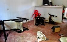 A punta de hachazos el hombre destruyó los muebles que estaban en la casa de la mujer víctima de violencia.