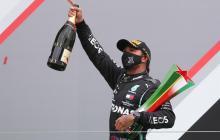 Hamilton hace historia: gana en Portugal y bate el récord de Schumacher