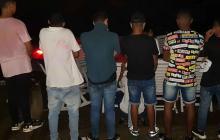 Sorprenden a 21 menores en fiesta Covid-19 en Taganga