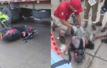 Mujer pierde el control de su moto y la embiste un bus