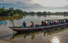 Varias lanchas llegan a la Intendencia Fluvial desde tempranas horas de la mañana con decenas de personas procedentes del Magdalena.