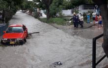 En video | Lluvia provocó desbordamiento de arroyo y daños en Soledad