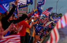 Seguidores del presidente Trump protestan contra los resultados de las elecciones.