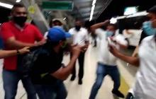 En video | Altercado entre pasajero y funcionario de Transmetro