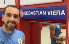 La imagen que Diego Godín le envió a Sebastián Viera en el interior del camerino de Junior en la sede de Sabanilla.