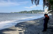 Por incidencia de onda tropical cierran playas en Santa Marta