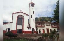"""Mujer tutela a iglesia para silenciar campanario porque le produce """"migraña"""""""