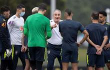 """Brasil piensa en ganar en Uruguay, pero sabe del """"peligro"""" de Suárez y Cavani"""