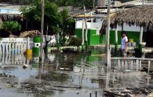 Lluvias inundan las playas de Santa Verónica y Puerto Velero