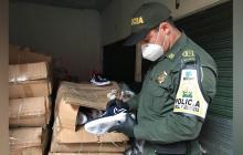 Incautan calzado de contrabando en el mercado público de Cartagena
