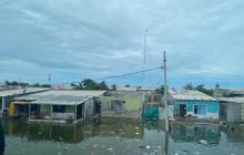Tasajera amaneció inundada por el mar tras coletazo del huracán Iota