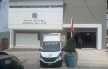 Se fugan tres reos de la estación de Policía San José