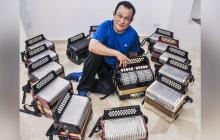 Alfredo Gutiérrez, de 77 años, es uno de los pocos juglares de la música vallenata que sobreviven.