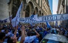 """Buenos Aires alerta del """"riesgo epidemiológico"""" por el velatorio de Maradona"""