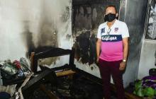 Casa se incendia por un supuesto corto circuito