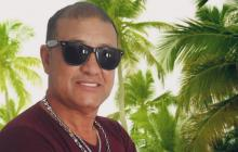 Roberto 'Joe' Urquijo, fue un cantante de salsa que brilló en grupos como Raíces.