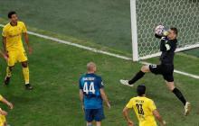 Acción del juego entre Zenit y el Dortmund.