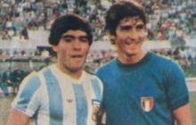 Rossi levantó la Copa Mundial en 1982, Diego Maradona en 1986.