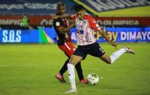Gabriel Fuentes en la jugada en la que consiguió el gol ante América que posteriormente fue anulado.