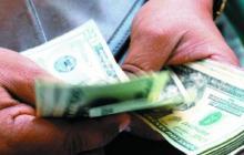 Hombre en EEUU paga facturas de 114 familias para que no les corten servicios