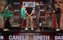 Tanto el 'Canelo' como Smith se han mantenido inactivos por más de un año.